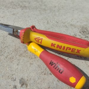 Best Electrician Screwdriver: 2021 Top Picks and Buying Guide